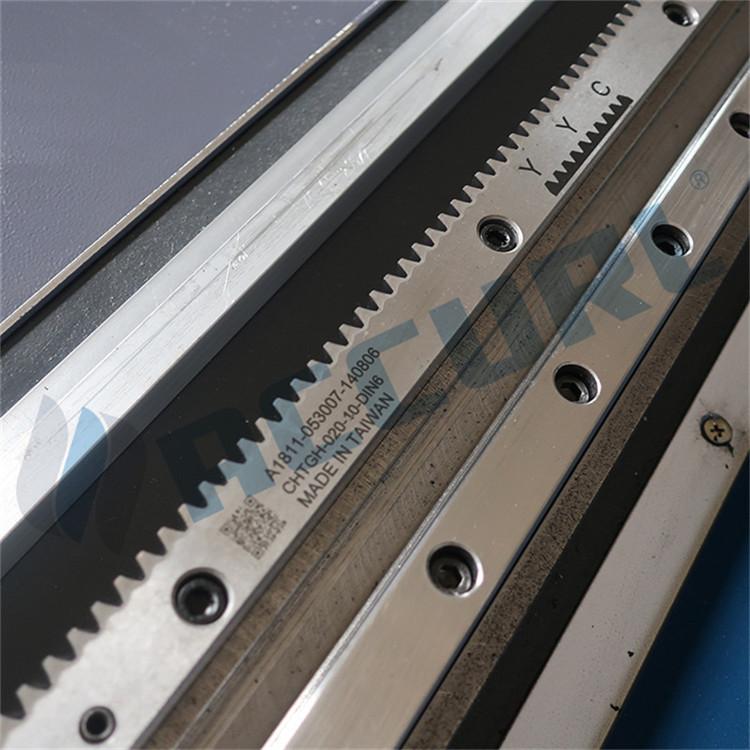 máy cắt ống laser